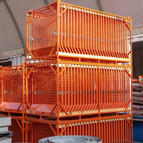 Barrier-Mesh-Stillage-Stack