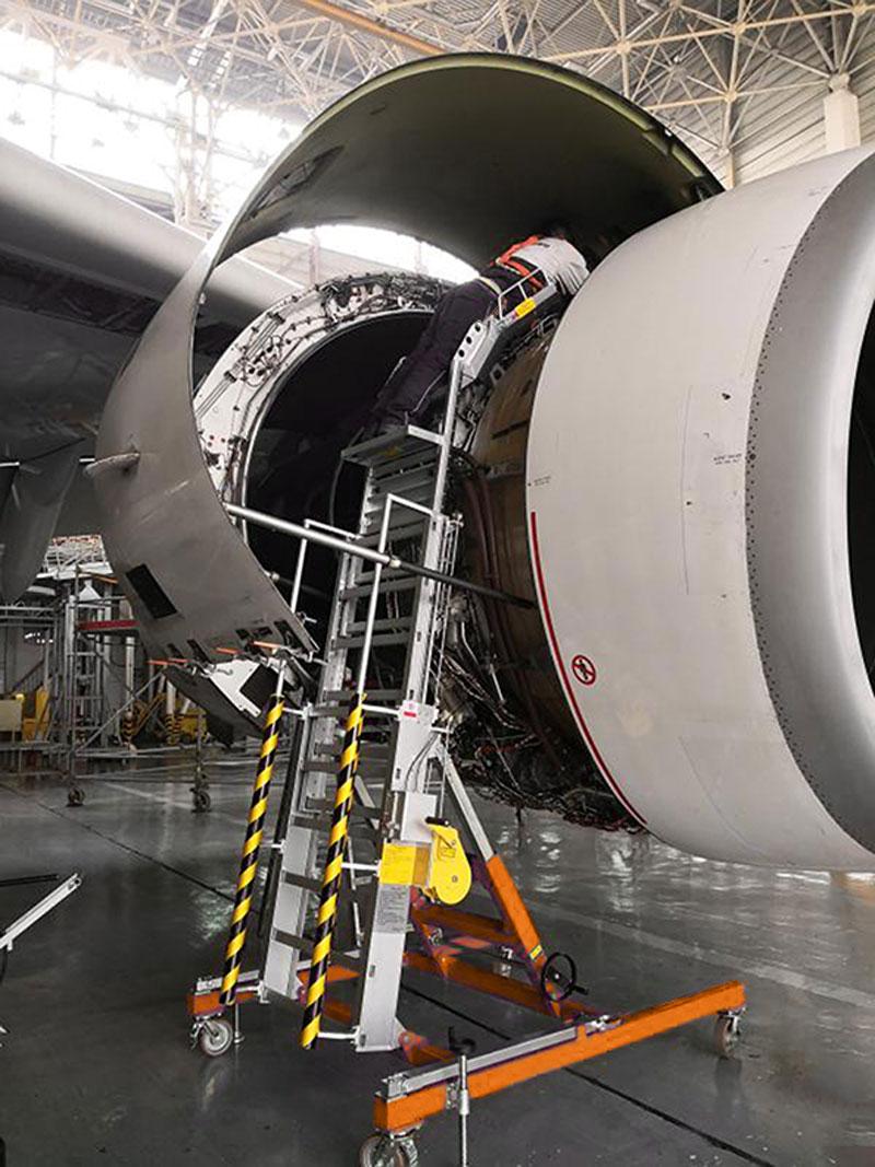 Engine Service Stand RF