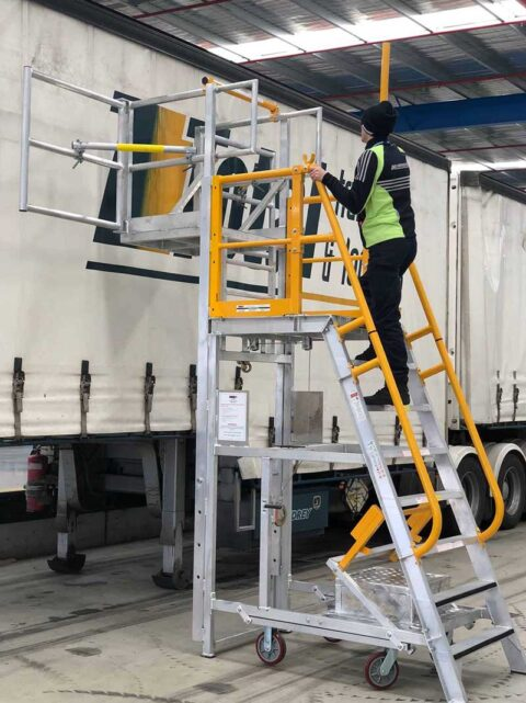 ADJP1400 Adjustable Cantilever Work platform Example