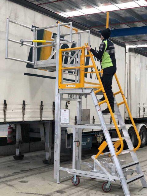ADJP1400 Adjustable Cantilever Work platform Example